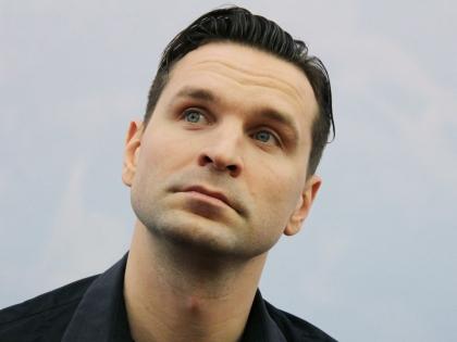 Виктор Добронравов