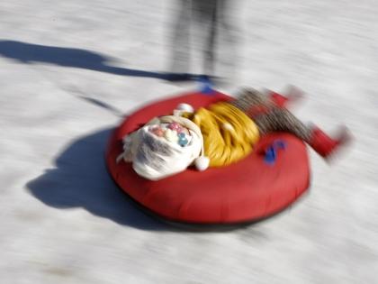 Ватрушка развивает скорость до 80–85 км/ч и не имеет тормозов