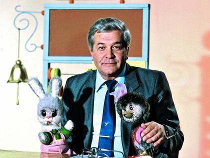 Легендарный ведущий скончался 12 апреля 2012 года