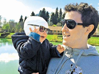 Актер со своим сыном