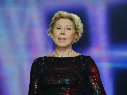 Певица рекомендует россиянам, отправляющимся на отдых в Грецию, брать с собой побольше наличных денег