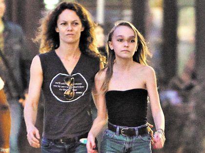 Ванесса Паради с дочкой