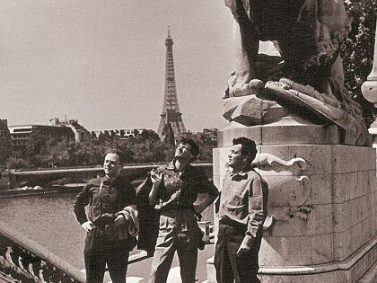 В Париже Эльдар Рязанов впервые увидел стриптиз