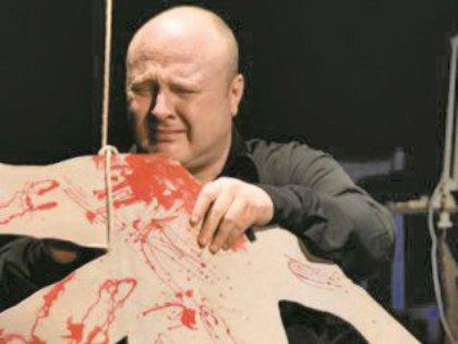 Мардарь 23 года играет в театре поколений в Санкт- Петербурге, на сцене он примерял уже десятки образов