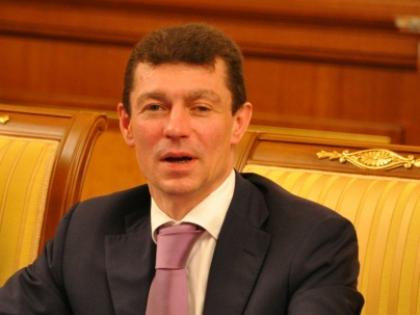 100 млрд рублей из этой суммы пойдут на повышение пенсий, пообещал Топилин