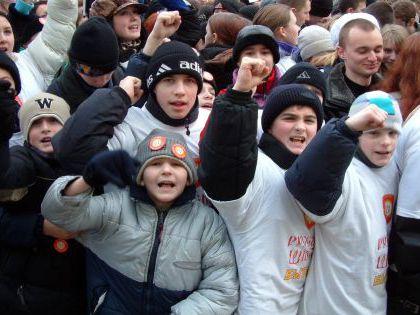 Дети будут ходить по площадям с лозунгами «Да здравствует Путин!», опасается писатель