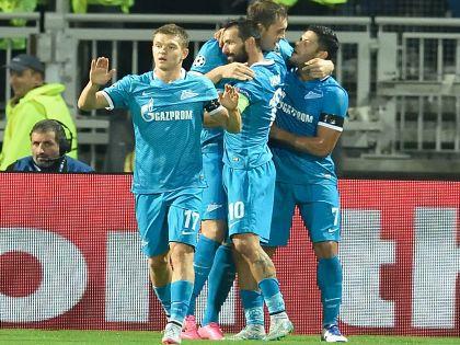 Халк и Дзюба (на заднем плане): герои матча «Лион» – «Зенит» (0:2)