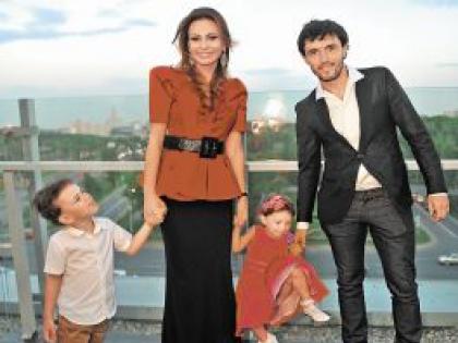 Инна Жиркова с семьей