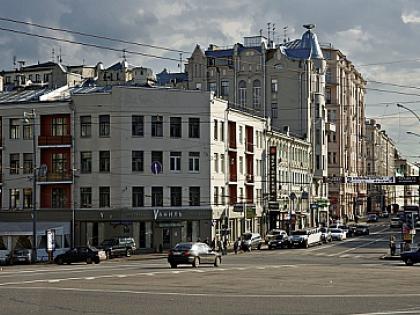 Вид на Остоженку