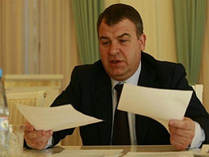 Анатолий Сердюков получил работу в Ростехнологиях