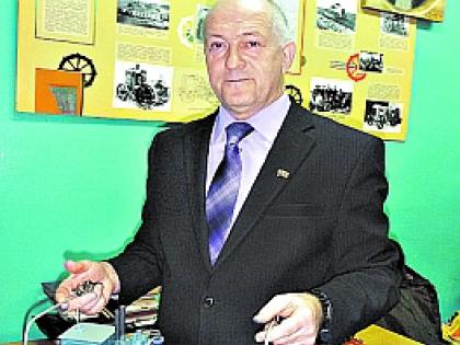 Председатель местного Совета депутатов Владимир Шаров