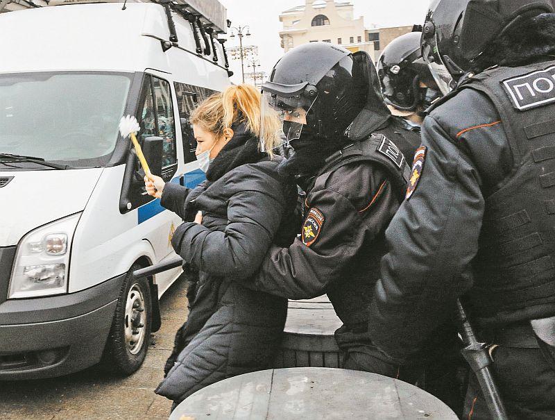 Лев Гудков: У нас нет ни массовых беспорядков, ни массовых репрессий