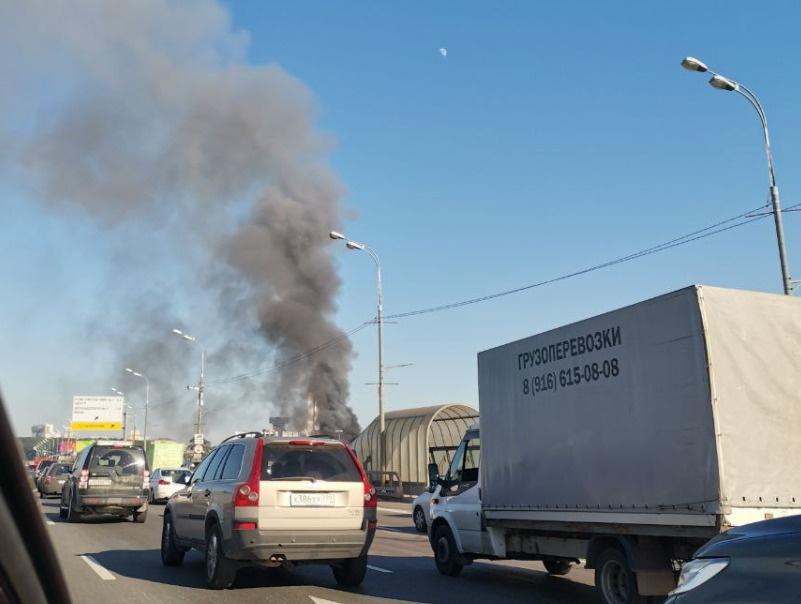 В центре Москвы загорелся склад с фейерверками