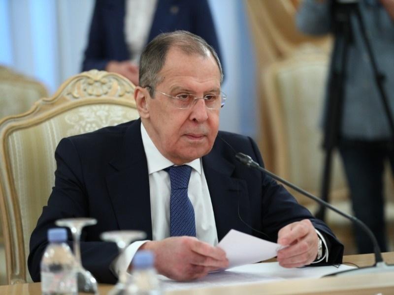 Вы сами все расшатали: россияне отчитали Лаврова после слов о попытках Запада расшатать ситуацию