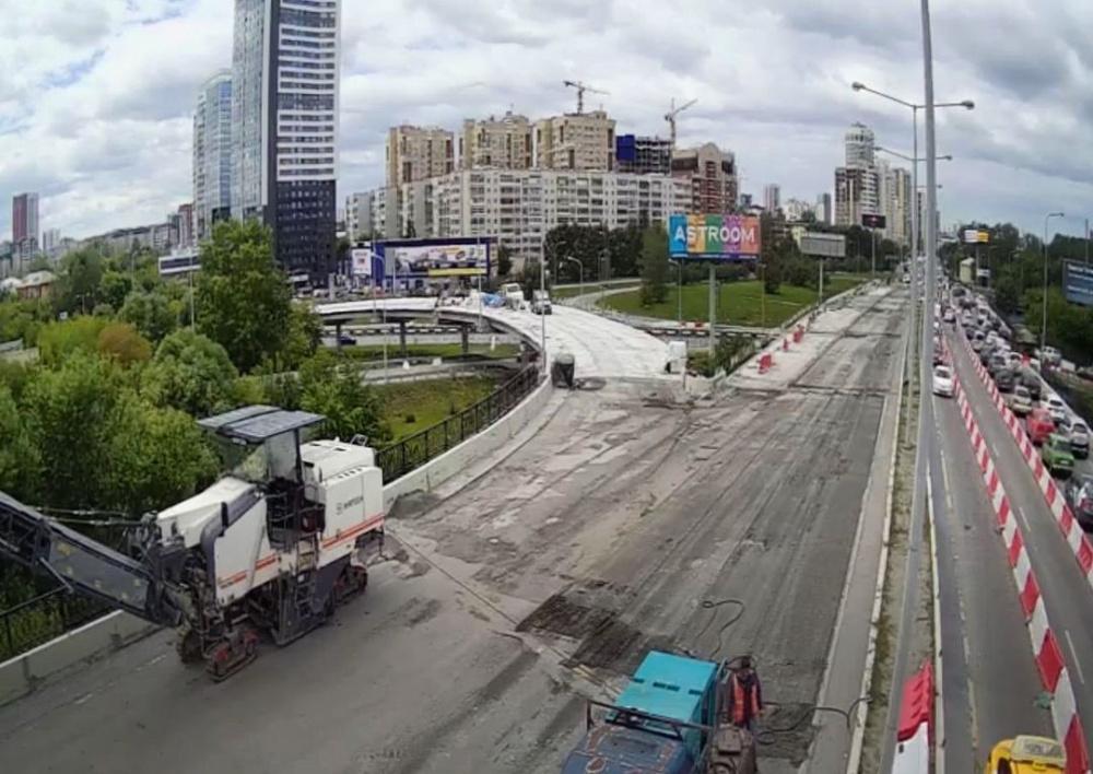 Куйвашев, строители сами в этой пробке стоят: в сети иронизируют над выступлением главы Свердловской области