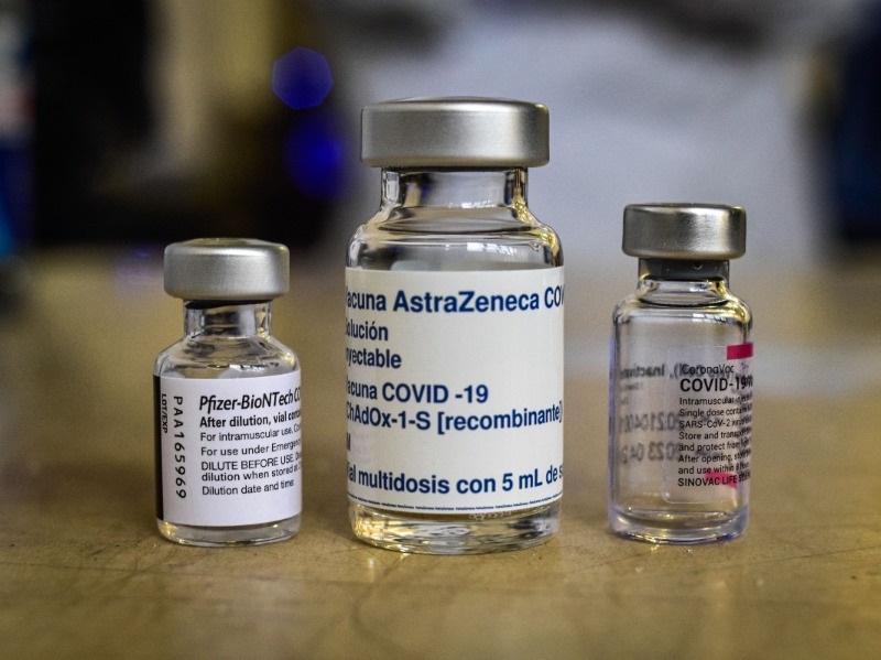 Сидят в Кремле и Правительстве: эксперт раскрыл причину недопуска зарубежных вакцин в РФ