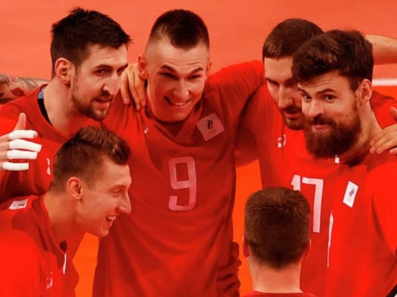 ДТП в Анталье, триумф российских волейболистов, развод Билла Гейтса: главное к 3 августа