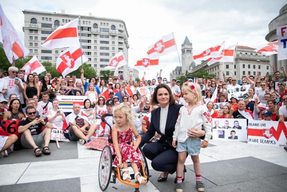 Светлана Тихановская с народом