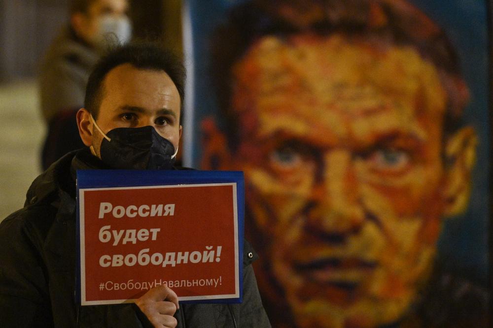 Не надорветесь и не переработаетесь: Навальный призвал идти на выборы и голосовать по-умному
