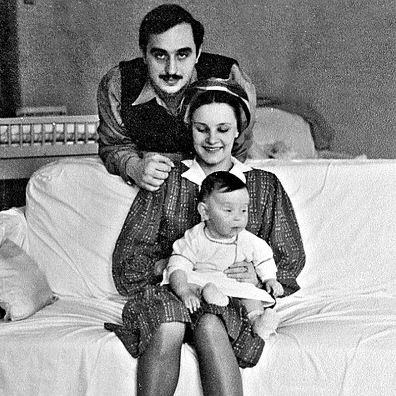 Серго Берия и Марфа с дочкой Ниной