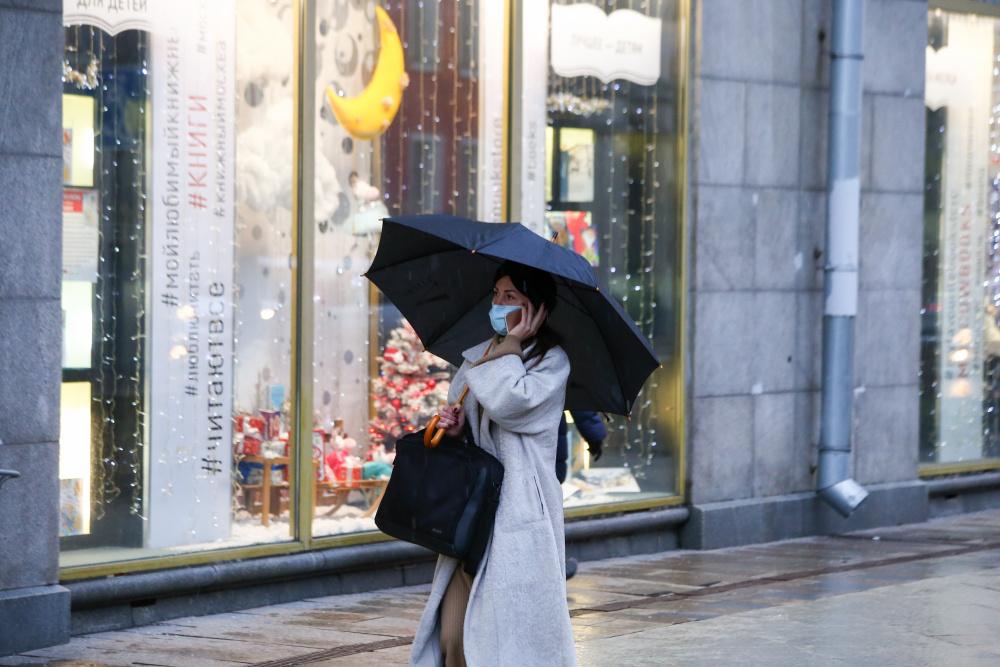 В Москве сегодня пасмурно и дождливо, до 14 градусов