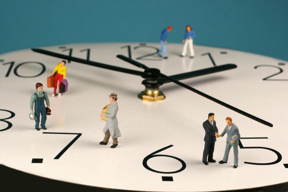 Эксперты в Британии требуют узаконить право сотрудника отключать связь после рабочего дня