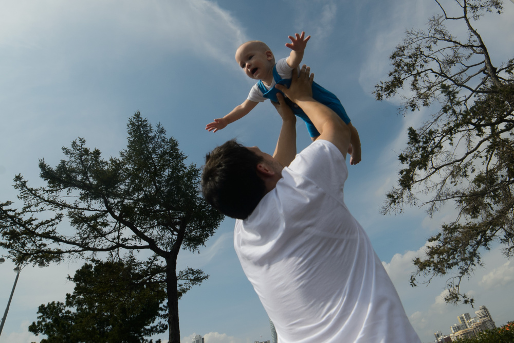 Экономист оценил идею выдачи материнского капитала отцам детей от суррогатных матерей