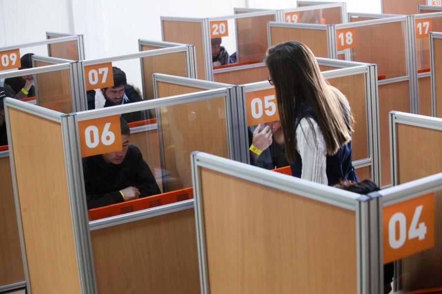 Москва впервые уступила регионам в числе привлеченных трудовых мигрантов