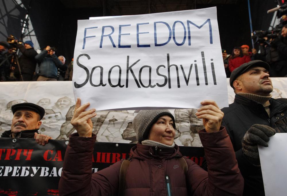 В Грузии не спешат предъявлением Саакашвили новые обвинения  он арестован по старым