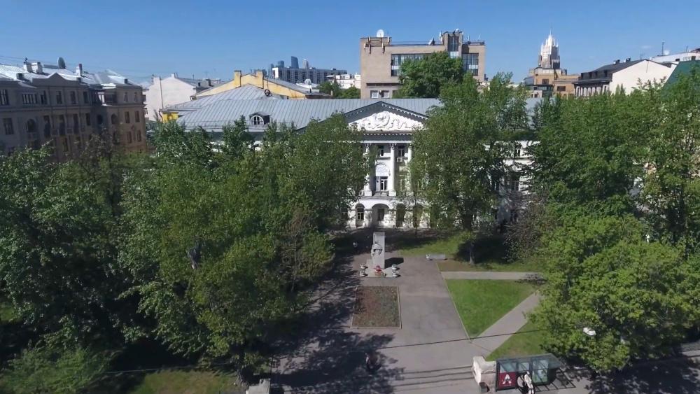 В Москве студенты МГЛУ не пришли на занятия, после угроз от одногруппника устроить теракт