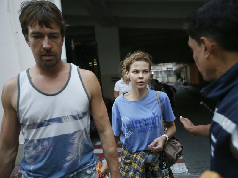 Настя Рыбка и Алекс Лесли, арестованные в Таиланде // Фото: ТАСС