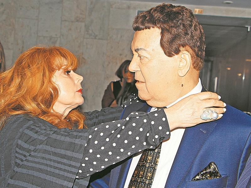 Клара Новикова с Иосифом Кобзоном