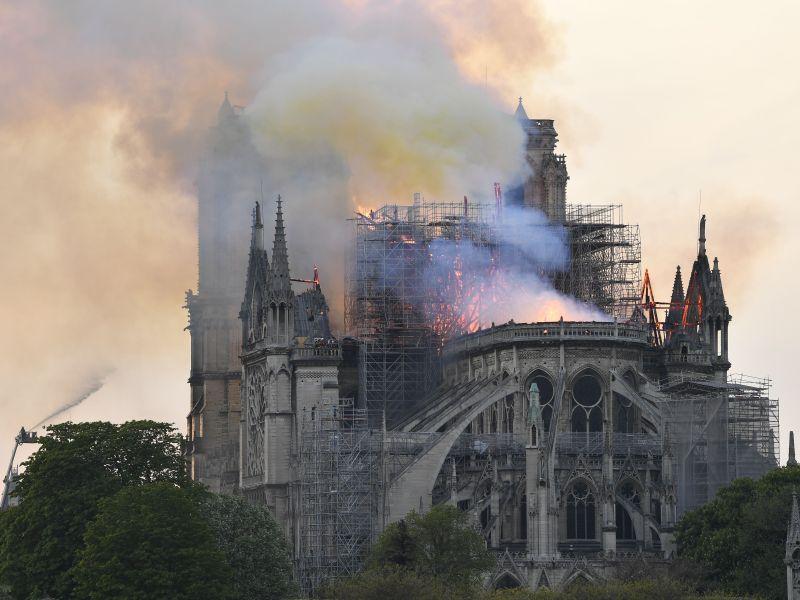 Пожар в соборе Парижской Богоматери // Global Look Press