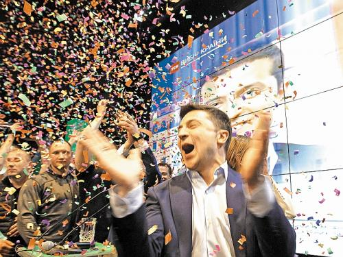 Владимир Зеленский празднует победу // фото: «Русский взгляд» / Global Look Press