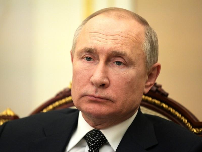 Заказывали Ваенгу и Газманова: Белковский раскрыл громкие подробности карантина Путина в бункере