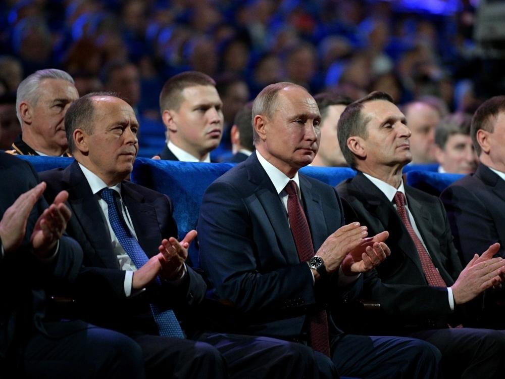 Глава ФСБ Александр Бортников, президент РФ Владимир Путин, глава СВР Сергей Нарышкин // Фото: Global Look Press