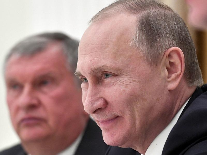 Владимир Путин и Игорь Сечин // Фото: Global Look Press