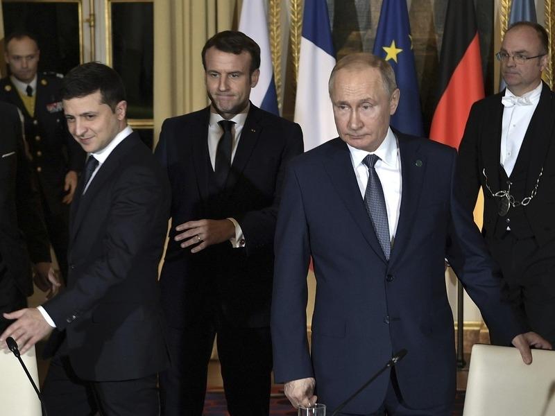 Зеленский попросил о переговорах с Путиным, но Кремль пока не отвечает
