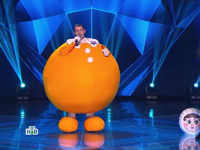 Фото в статье: стоп-кадры шоу «Маска», YouTube-канал НТВ