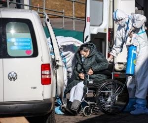 Работа ковид-центра в Коммунарке // Фото: Александр Поляков / Global Look Press