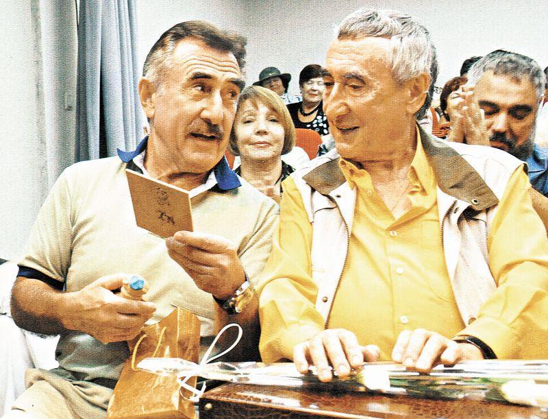 Александр Каневский старше своего брата Леонида (слева) на шесть лет