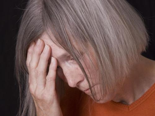 Битое старичье: правда о семейном насилии над пожилыми в России