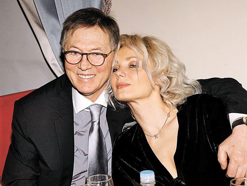 Евгений Меньшов с женой Ольгой Грозной в марте 2014 года // фото: Анатолий Ломохов / Global Look Press
