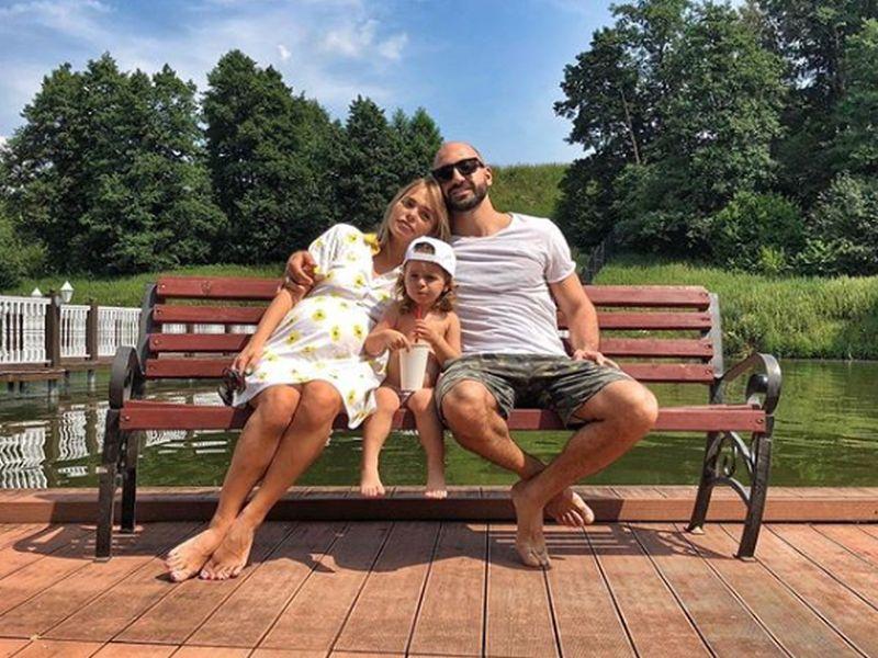 Анна Хилькевич с семьей // фото: Instagram