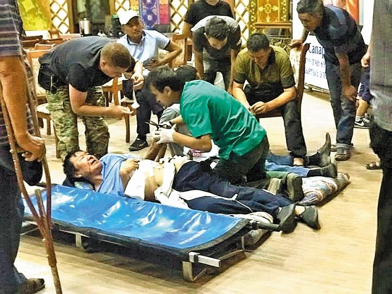 В ходе обороны резиденции более 50 человек были ранены // фото: Global Look Press