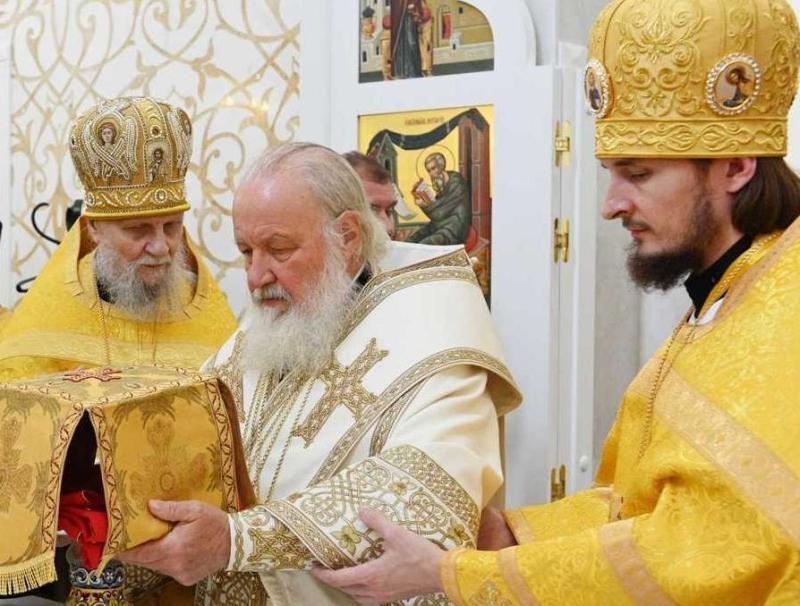 Патриарх Кирилл и Алексий // Фото: сайт Параскево-Пятницкого благочиния города Москвы