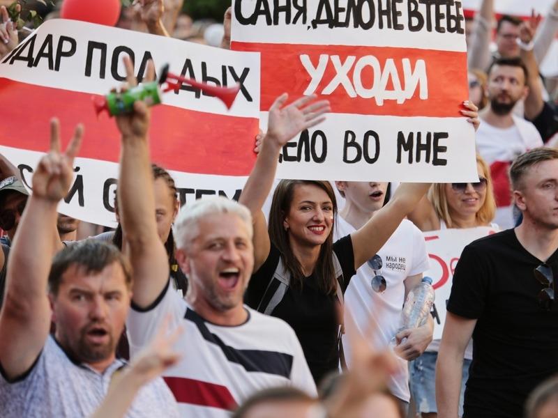 Мирные протетсты в Беларуси // Фото: Global Look Press