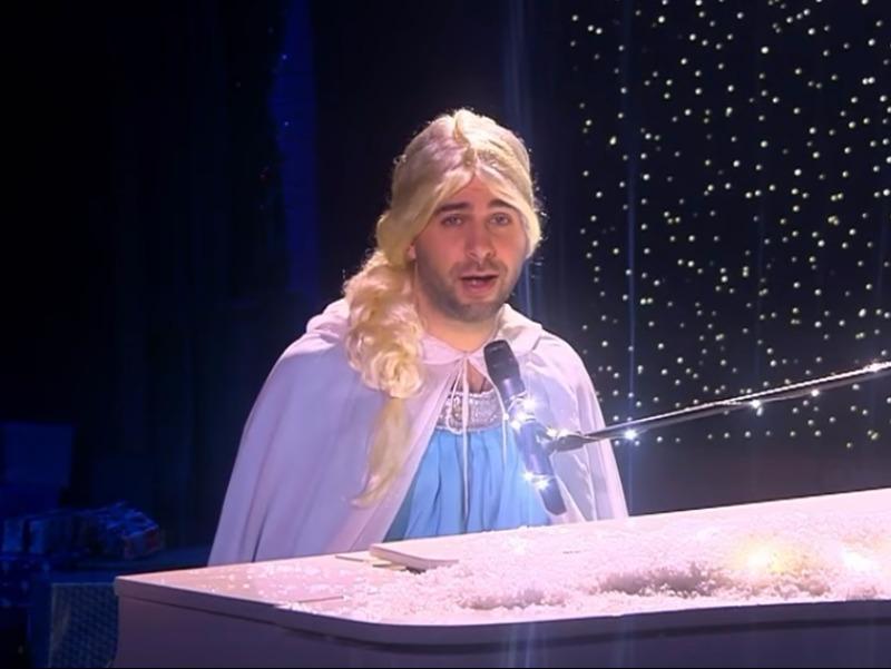 Ургант вобразе принцессы пошутил одопинговом скандале