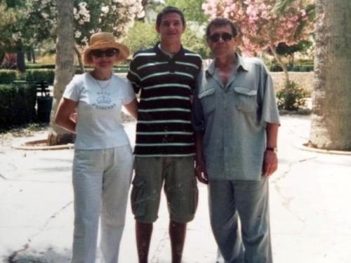 Справа налево: Алексей Булдаков, его сын Иван и мать Ивана Зинаида на Мальте. Фото из личного архива Зинаиды Старостенко