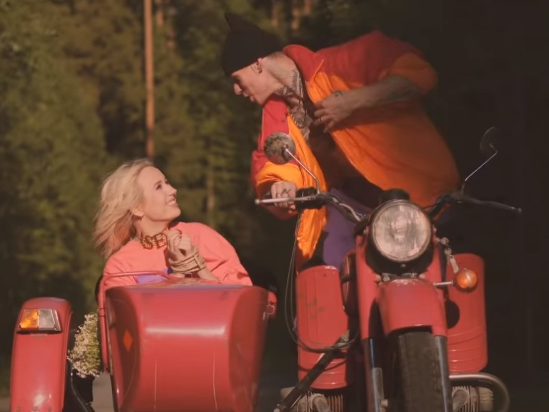 Клава Кока и Niletto // Скриншот с клипа «Краш»